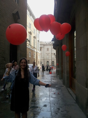 barcelona landscape red balloon