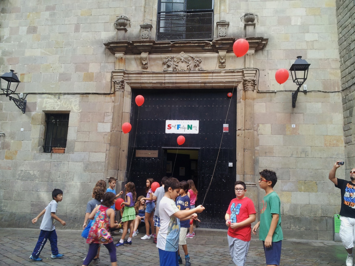 barcelona red balloon sant felip neri kids