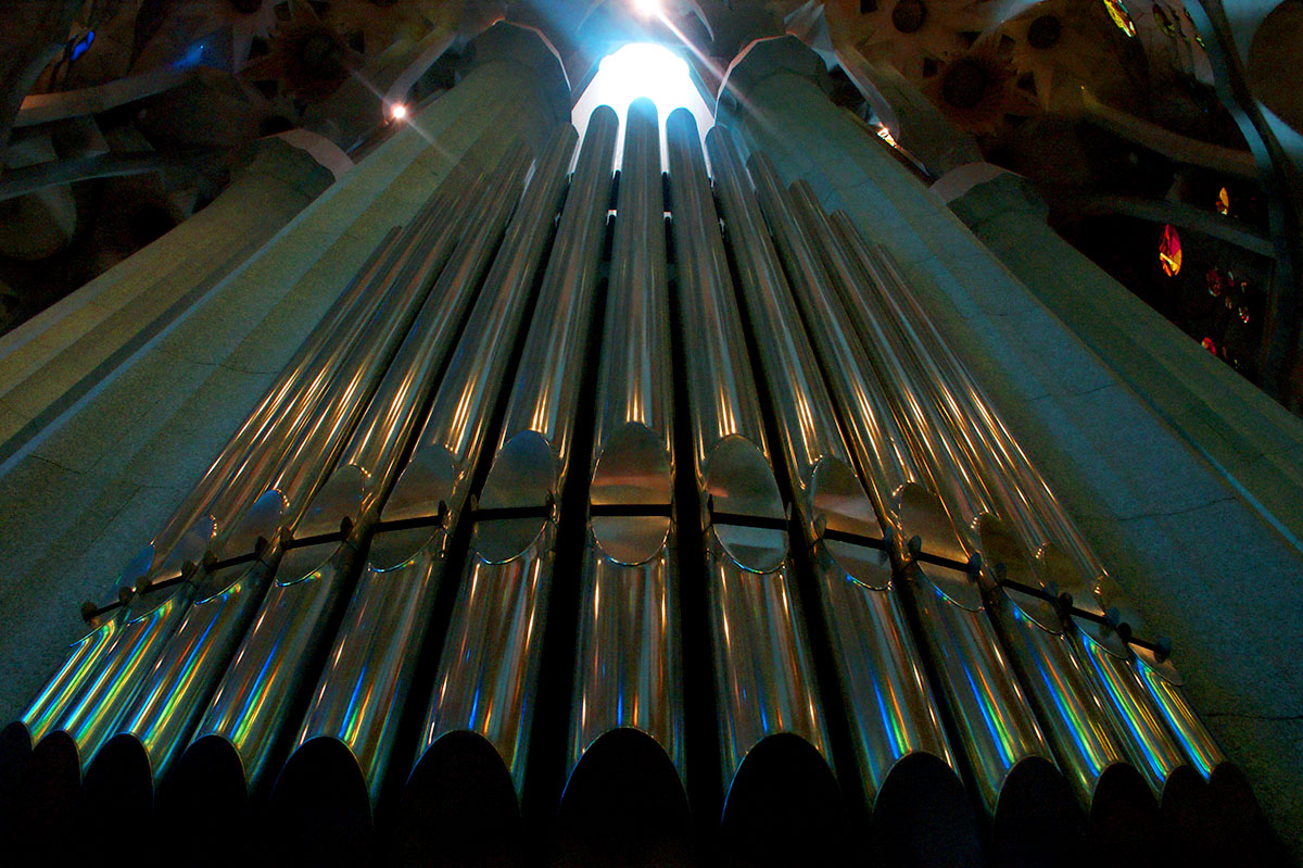 the organ of la sagrada familia