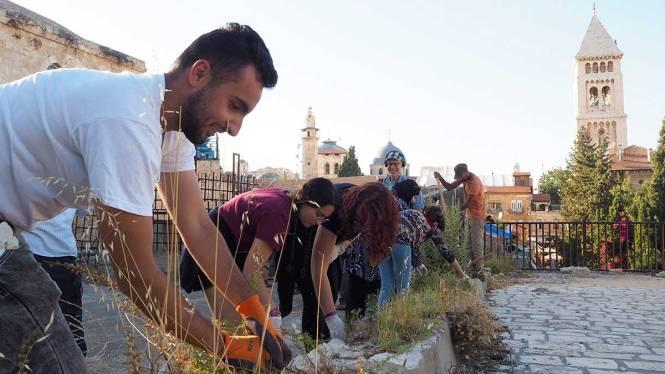 jerusalem-art-rooftop-wall-clean